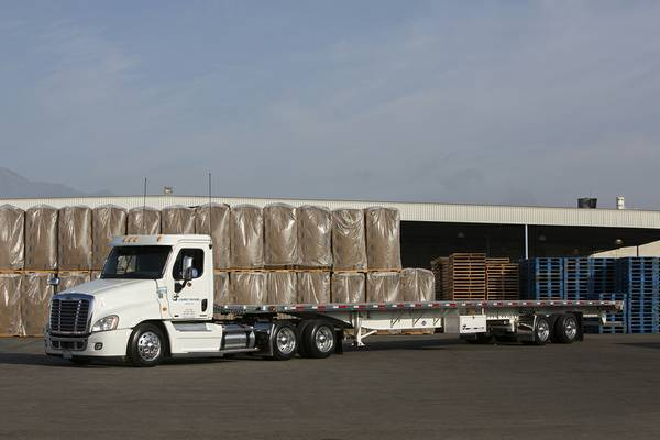 Cdl A Flatbed Drivers Wanted 18 00 Per Hour Ot After 40 Hours Mycdljobs Com